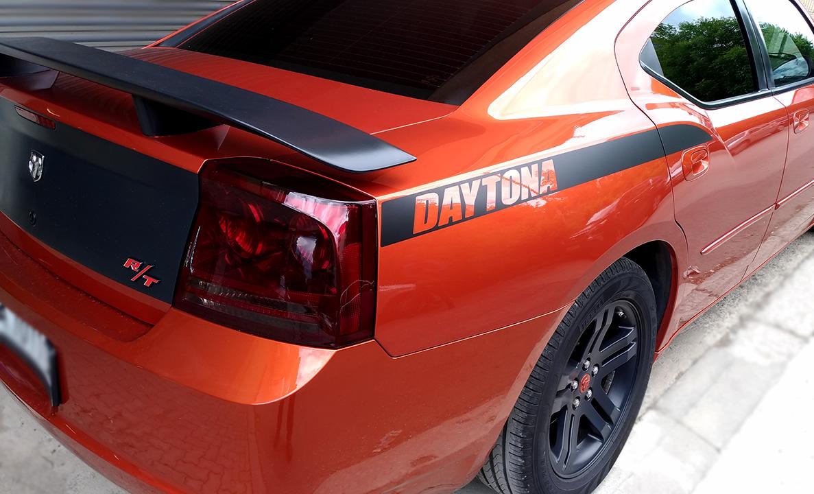 тикер DAYTONA за заден калник на Dodge Charger